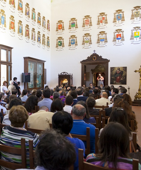 L'evento formativo del giugno 2013 si tenne nel Salone degli Stemmi dell'Episcopio di S. Agata de' Goti.