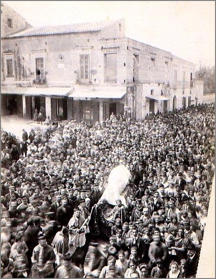 Solenni funerali di P. Leone ad Angri nel 1902.
