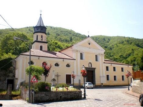 Spiano, frazione di Mercato San Severino in provincia di Salerno - La bella chiesa parrocchiale dove predico la missione S. Alfonso e do nacque il redentorista P. Carlo Gajani (foto da internet).