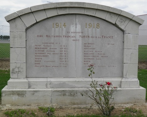 Lo Studente redentorista Albert Cornette fu in prima linea nella guerra del 1914-18. Ferito gravemente una prima volta subì 5 operazioni prima di riprende il suo posto. Morì il giorno di Pasqua a Mesnil-Saint-Georges colpito alla testa.(foto da internet).