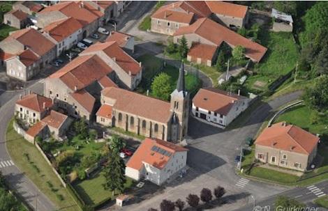Il piccolo centro di Puttigny in Francia oggi:  il 14 aprile 1891 vi nacque il P. Émile Martin. (foto da internet).
