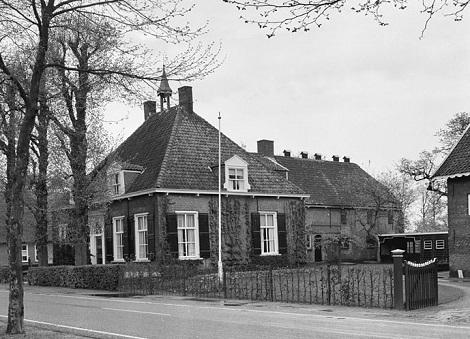 Dongen (Olanda, Brabante settentrionale) - Veduta di un antico complesso. Qui il P. François-Xavier Villaume, ordinato sacerdote, rese grandi servizi come professore nella casa dello Studendato.