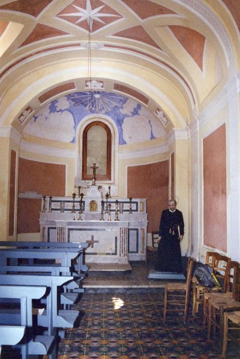 Furore (SA), vicino Agerola. La cappella dedicata a S. Alfonso dai Sacerdoti Redentoristi della famiglia Fusco (i due fratelli Raffaele ed Emanuele e il loro cugino Vincenzo). (Foto: Mosè Simonetta).