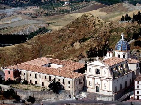 Corigliano Calabro (CS) Chiesa e Convento di S. Antonio che dal 1820 al 1866 fu residenza dei Redentoristi. Nel 1860 vi morì il P. Gaetano M. Sapio, originario di Accadia (FG).