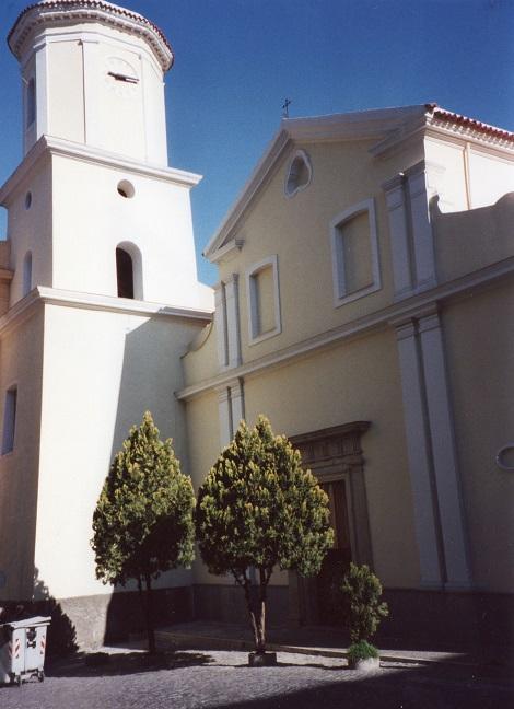 Vallo della Lucania (SA) – Odierna facciata della chiesa della Madonna delle Granzie dove officiarono i Redentoristi fino alla soppressione del 1866 e nella cui Casa annessa morì nel 1855 il P. Giuseppe Iacontini, colpito da un tumore.