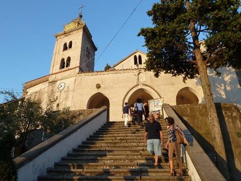 Gragnano (NA) La chiesa di Santa Maria Assunta al Borgo Castello. Gragnano fu il paese nativo del Fratello redentorista Giosuè Cinque.