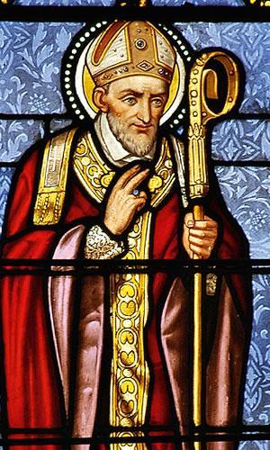 Cuenca (Ecuador) La bella vetrata della chiesa mostra S.Alfonso nel sua pastoralità. Nel 1892 vi morì il P. Ézéchiel Bravo.
