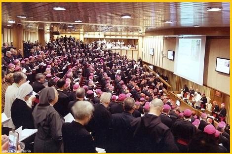 Dal Sinodo dei Vescovi sulla famiglia il mondo cristiano e no attende una maggiore apertura alle problematiche della famiglia oggi; e grande è l'attenzione di Papa Francesco e dei Vescovi per onorare al meglio il dono di Dio che è la Famiglia.