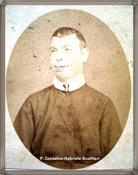 Il P. Consalvo Gualtieri, redentorista originario di Davoli (CZ), aveva un fratello sacerdote, redentorista anche lui P. Gabriele Gualtieri. P. Consalvo per alcuni anni fece da segretario a Mons. Basile, vescovo di Rotonda (PZ). Morì nel 1919.