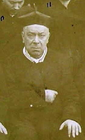 P. Alfonso D'Ambrosio, originario di Arienzo, era innamorato della Congregazione e le fu fedele fino alla morte avvenuta nel 1897. Due anni prima così appare nella foto di gruppo della Comunità di Ciorani (SA).