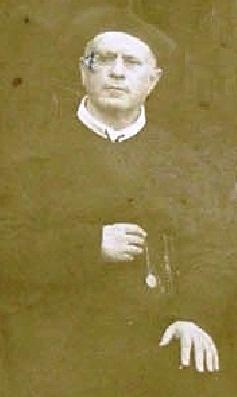 P. Raffaele De Feo, originario di Avellino, fu anche uno dei fondatori della Casa redentorista nella sua città. Stimato missionario e apprezzato direttore di spirito. Morì da rettore a Ciorani nel 1898, di morte improvvisa. la foto lo ritrae nel gruppo della Comunità di Ciorani nel 1895.