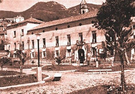 Bracigliano (SA) – Antico palazzo De Simone. Da questa cittadina, vicino Ciorani, sono usciti alcuni redentorista, tra i quali P. Bonaventura De Luca e il primo redentorista morto, il giovane fratello Giacchino Gaudiello.