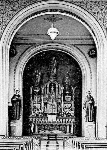 Téterchen (Francia). La Cappella dei Redentoristi con le statue di S. Alfonso e San Gerardo. In questa Casa si spense nel 1856 il P. Jean Gaspard Feliser.
