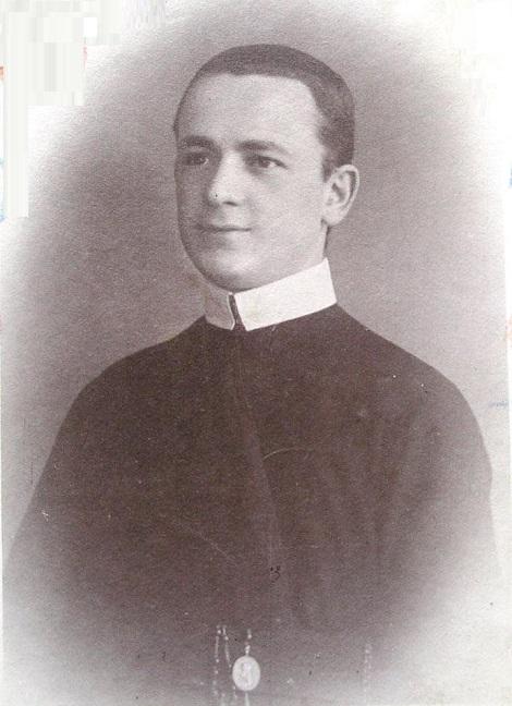 Il giovanissimo P. Alberto Menonna (1885-1911), originario di Albano di Lucania (PZ), edificò tutti con la sua breve, ma santa vita e soprattutto con la sua santa morte a 26 anni e mezzo di età.