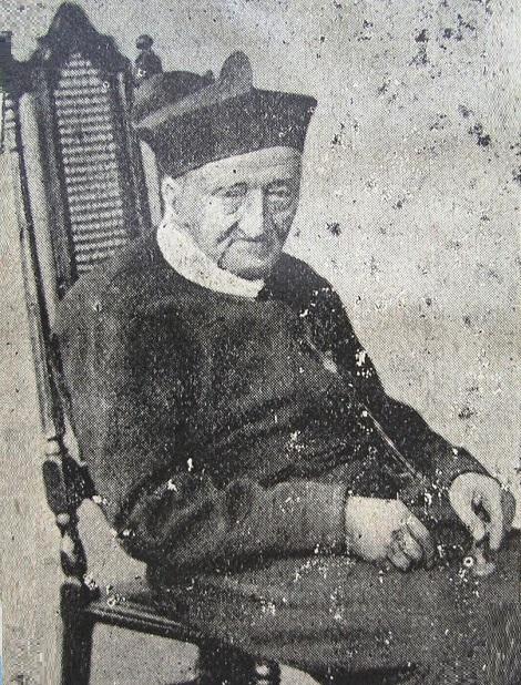 Ritratto fotografico di P. Giuseppe Vizzini, redentorista siciliano molto virtuoso e stimato. Tra le sue varie esperienze di vita c'è anche quella di essere stato eletto Deputato al Parlamento Siciliano e di averci preso parte attivamente. Morì a Pagani (SA) nel 1910.