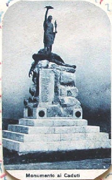 Il nome di Fratello Raffaele Coraggio (1888-1915), caduto per la Patria, è scolpito su questo monumento ai Caduti nella Grande Guerra 1915-1918.