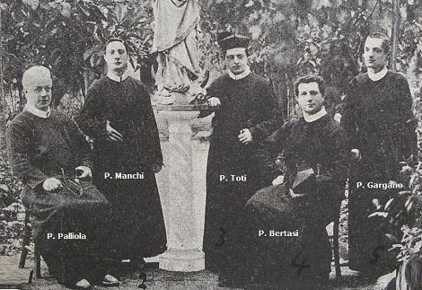 """Roma - La prima Comunità di San Gioacchino ai Prati: """"P. Palliola superiore - P. Manchi - P. Toti - P. Bertasi - P. Gargano."""""""