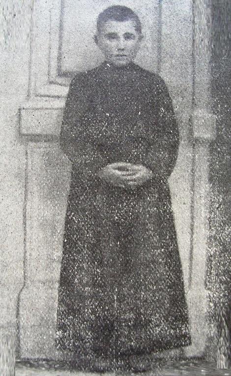 Ritratto fotografico dell'educando Gerardo Perozziello, originario di Mecato San Severino (SA). Farà la professione nel 1928 e morità un anno dopo nel 1929.