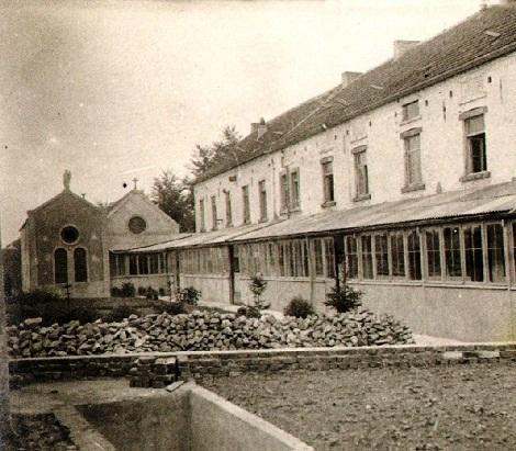 """Glimes (Francia) La Casa redentorista aperta nel 1902 e chiusa nel 1932. Il P. Jules Rosoor vi morì a 28 anni dicendo: """" Oh! la bella corona che mi è preparata!""""."""