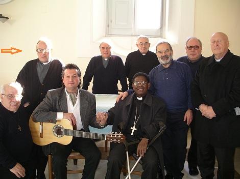 La passione di Padre Mosè per la musica era nota a tutti. Aveva un feconda vena musicale per ha composto molte canzoncine.