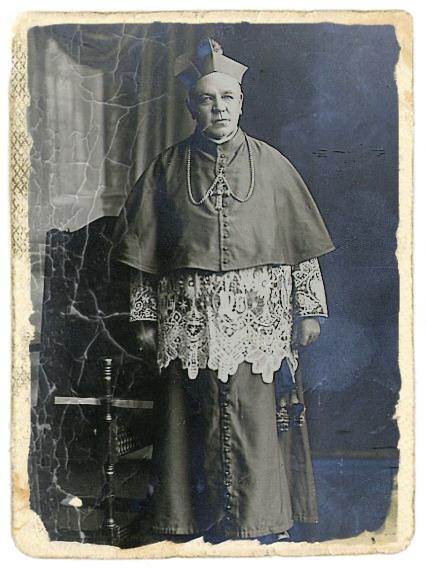 Il redentorista Mons. Patrick Joseph Clune C.Ss.R. 1864-1935  Irlanda, della Provincia di Londra. Vescovo di Perth (Australia), dove ebbe solenni onoranze funebri durati un paio di giorni. La sua vocazione redentorista nacque da una missione popolare alla quale partecipò. Fu mandato missionario in Nuva Zelanda dove si distinte al punto da essere nominato vescovo. Si prese cura dei poveri e fondò una Casa di assistenza per bambini con gravi handicap.