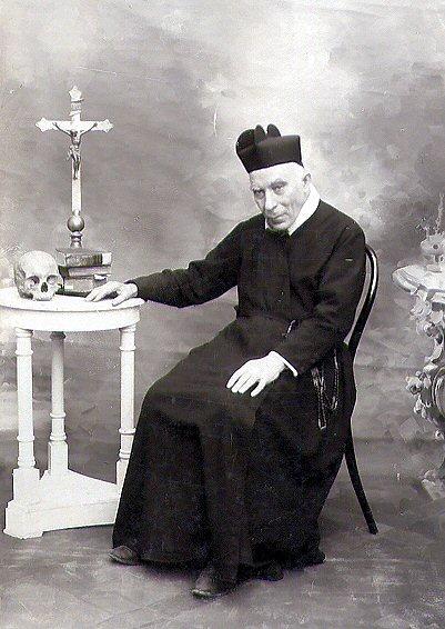 Il redentorista P. Antonio, C.Ss.R. 1838-1917 – Italia, Provincia di Napoli. Servo di Dio, è una delle figure redentoriste più interessanti tra l'800 e '900 del Meridione d'Italia. È in corso la causa per la sua beatificazione.