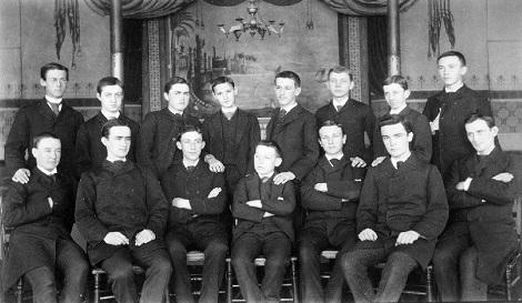 Il redentorista P. William Hogan C.Ss.R. 1863-1938  Canada della Vice Provincia di Toronto. La foto mostra i giovani aspiranti redentorista americani del 1891: tra questi c'è il futuro P. William Hogan.