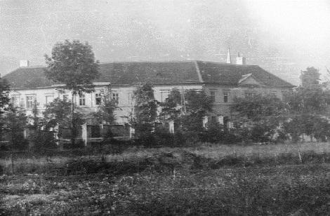 Nessuna immagine del redentorista Fratello Josef Xavier Svoma 1874-1949  Moravia, della Provincia di Vienna poi della Vice-Provincia di Bratislava. (nella foto: la casa redentorista di Kostolná nel 1949, giovenato della Vice Provincia d Bratislava).