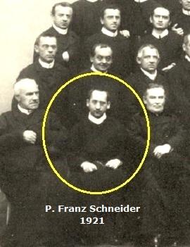 Il redentorista P. Franz Schneider, 1874-1945, Borussia della Provincia di Colonia. Di piccola statura, ma di ingegno grande. morì nel 1945: un'anima grande. (foto di gruppo 1912 a Echternach, Luxembuorg)