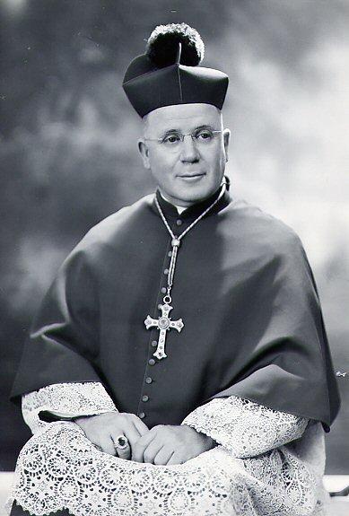 Il redentorista Mons. William McCarty, 1889-1972 – USA, Provincia di Baltimora. 1943 è stato consacrato vescovo titolare di Anea e delegato militare per l'esercito degli Stati Uniti. morto il 14 settembre del 1972