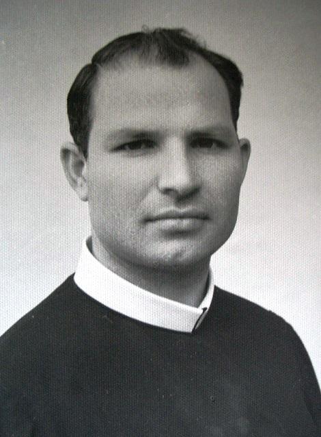 P. Calogero Sciortino da giovane, nella Provincia di Palermo.