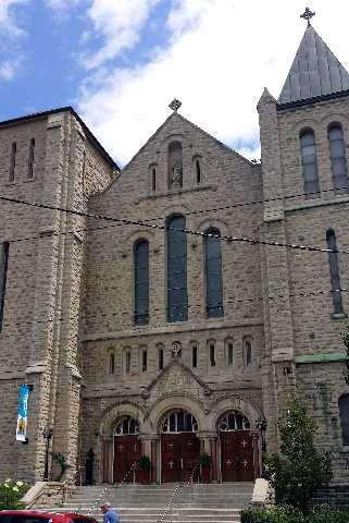 Nessuna immagine del redentorista P. John Edward Bennett C.Ss.R. 1901-1956 Canada, della Provincia di Toronto. Morì a 55 anni. (nella foto: la St. Patrick Church a Toronto, gloriosa parrocchia redentorista).