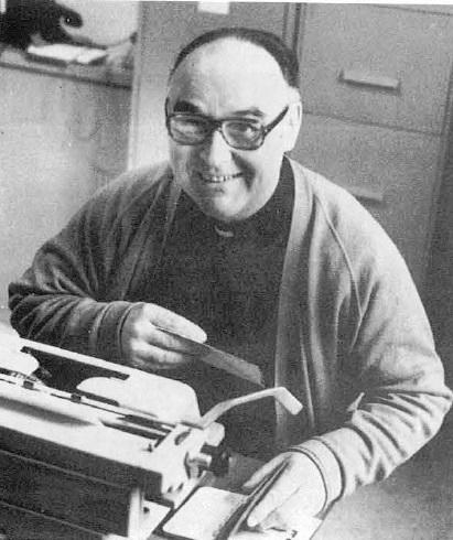 P. Roger Roy al lavoro, come segretario dell'Accademia Alfonsiana in Roma.